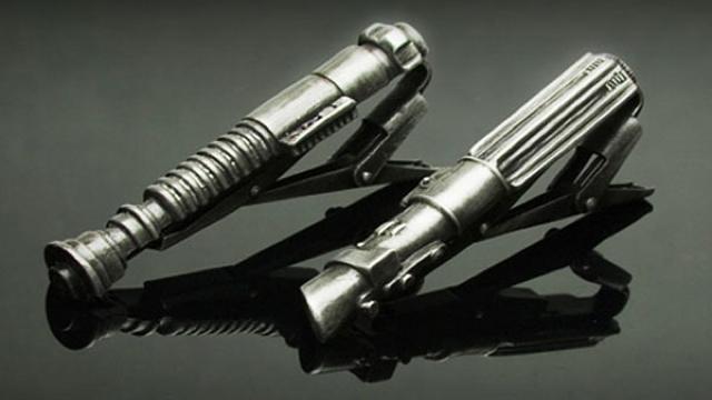 lightsaber-tiepin